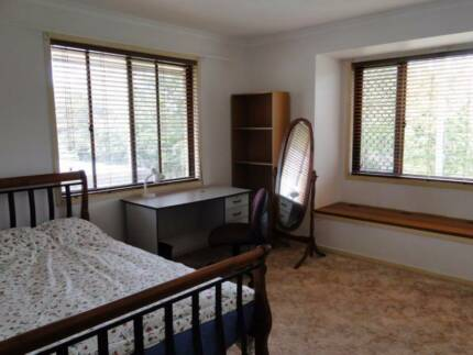 furnished room walk to UQ,PA and shops close to city