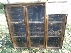 Oak Display Cabinet-Excellent Condition