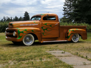 1951 Ford Chopped Pickup