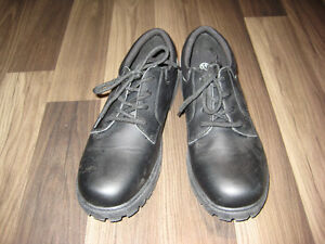 EUC Men's Black Dress Shoes