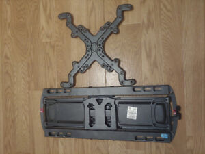 Full motion, articulating TV wall mount