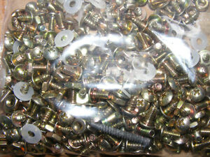 SMALL SCREWS WASHERS AND NUTS/BOLTS
