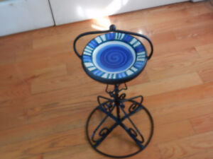 Candy dish on stand
