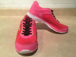 Women's Rawlings Running Shoes Size 8 London Ontario image 6