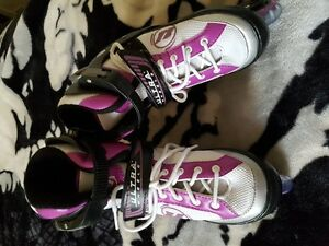 Girls adjustable roller blades : size 1 - 4