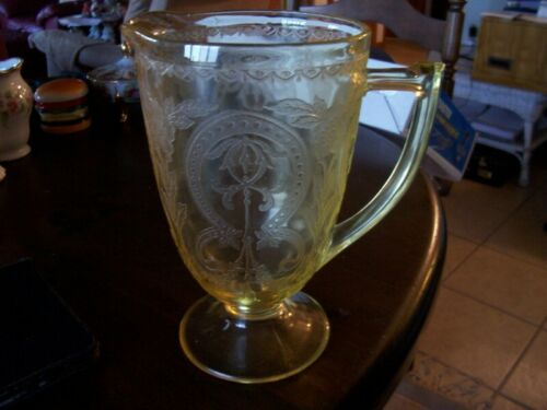 "Indiana Horseshoe 8 1/2"" yellow 64 oz pitcher-rare"