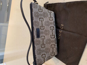d570e32c9d19 Vintage Gucci | Kijiji in Toronto (GTA). - Buy, Sell & Save with ...