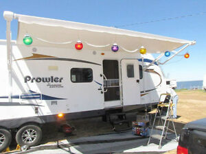 2011 PROWLER 32FT SHADOW EDITION