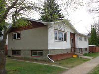Perfect Location In the Heart of University of Alberta