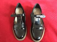 CLARKS PATENT LEATHER SHOES NEAR NEW SIZE 8 / 42 £15