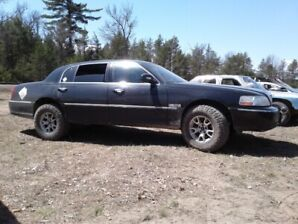 2007 LIFTED Lincoln Town Car