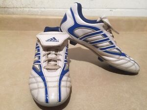 Men's Adidas TraXion Outdoor Soccer Cleats Size 6 London Ontario image 3