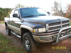 2001 Dodge Power Ram 2500 Pickup Truck 4x4 extended cab shortbox