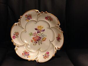 Collectible von Henneberg Porzellan Ilmenau bowl
