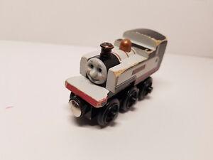 Thomas & Friends Wooden Railway Engine - Fearless Freddie