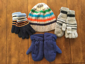 Boy Toque and Mittens (Size 2-3)
