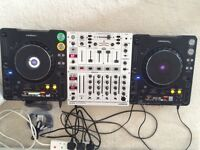 Pioneer cdj 1000 x2 and behringer djx 700 mixer with all cables including RCA's