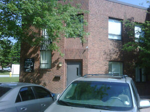 Bright & sunny furnished office space for lease Steeles and 404