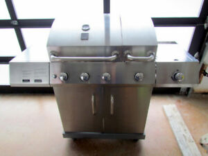 Stainless BBQ w Natural Gas connection