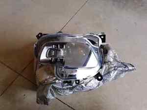 Left Jeep Cherokee Headlight