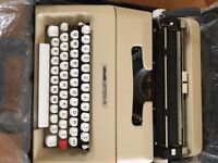 Olivetti Letter A typewriter portable (Inc case)