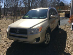 2009 Toyota RAV4 4X4 $6500 With Mud and Snow Tires