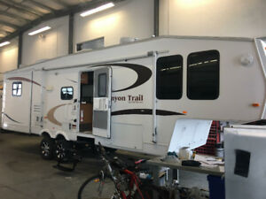 2008 Gulfstream Canyon Trail 30FBHS Fifth Wheel