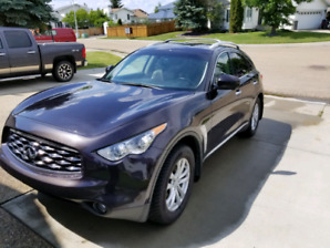 2010 Infiniti fx 35  360 degree camera heated/cooled seats Nav