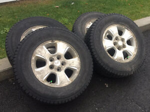 Très bon pneus d'hivers à vendre sur mag
