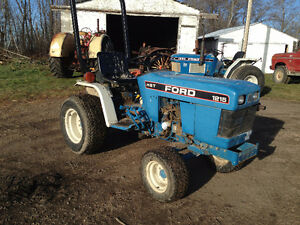 1995 New Holland Ford 1215 Tractor