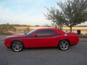 2009 Dodge Challenger RT Coupe (2 door)