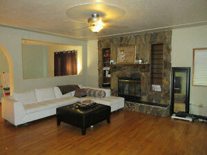 Upper floor in Highland Park, Excellent location!!!!