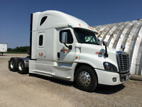 2015 FRHT Cascadia seeking Driver with Flatbed Experience