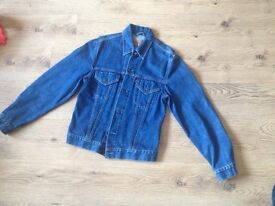Levi's Denim Jacket - Size Large