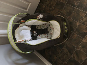 Baby seat bouncer