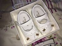 Baby shoes - 4 pairs