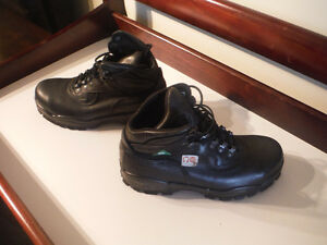 Womens CSA Steel Teo Shoes 7.5