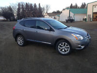 2011 Nissan Rogue SV AWD (REDUCED PRICE!)