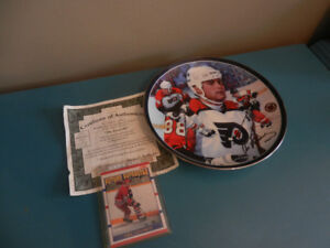 Eric Lindros NHL Rookie card and Bradford Exchange Plate