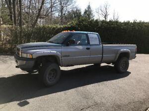 Dodge ram 2500 diesel 1996 avec 12 valves