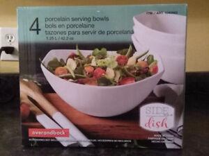 A set procelain serving bowl (4), brand new