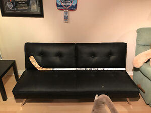 Signed 2008-2009 Toronto maple leafs team signed stick