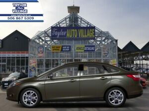 2013 Ford Focus SE Sedan  Bluetooth,AM / FM / CD Player,Alloy Wh
