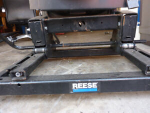 Reese slider hitch and Ford puck rail system $550.00