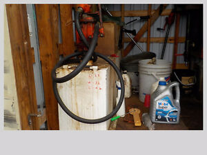 90 Gallon Fuel Tank & Hand Pump
