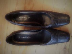 Chaussures du designer Étienne Aigner * Pointure 7,5 W.
