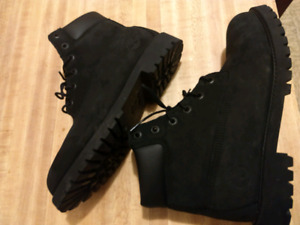 Timberland size 7  boots all black suede