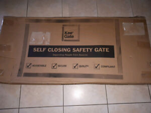 KEE GATE- Self Closing Safety Gate