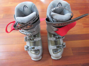 BRAND NEW LADIES HEAD SKI BOOTS SIZE 23.5 and 22.0 inner liner