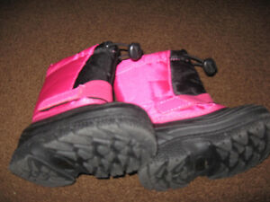 Size 5 pink and black winter boots